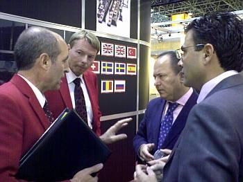 Directivos de Unifiler (izda), junto al Sr. Juan Puigcerver de la Compañía Tecfood (centro) y el Sr. Diego Pinilla, Director Comercial de Ferré & Consulting Group