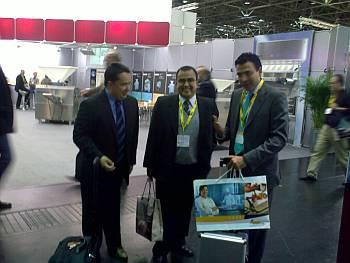Sr. Gonzalo Martínez, ingeniero industrial de panificación, Sr. Cristian Chaves, colaborador y consultor de Ferré & Consulting Group y Sr. Diego Pinilla, Director Comercial de Ferré & Consulting Group.