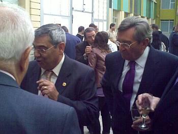 A la izquierda, el Sr. Jaume Andreu Cuella Presidente del Gremio de Flaquers de la provincia de Tarragona y el Sr. Lorenzo Alonso Presidente de Ceopan.