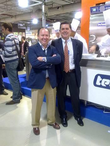 De Izquierda a derecha, el Sr Juan Puigcerver Director General de Tecfood y el Sr Mario Cañizal doctor consultor en el mundo de food service y colaborador de Ferré & Consulting Group