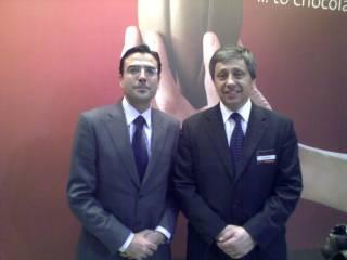 Izqda Sr. Diego Pinilla, Director Comercial de F&CG, Derecha, Sr. Eric Martinet, Vive Presidente Gourmet de Barry Callebaut
