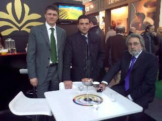 Izqda Sr. Antonio Tosada, Dtor Comercial España e Italia de Valrhona, Centro Sr. Pinilla, Dtor Com. de F&CG, y derecha, el Sr. Ferruccio Perini Consultor de F&CG