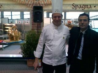 Izquierda Sr. Josep Aguilar, Representante de España en Sigep Bread Cup, Derecha, Sr. Diego Pinilla, Director Comercial de Ferré & Consulting Group.