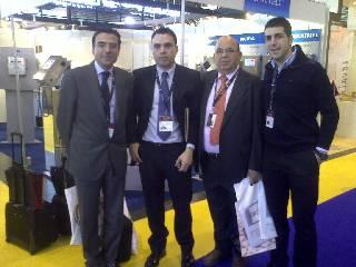 Izq. Sr. Pinilla, Dtor Comercial de Ferré & Consulting, Ctro, Srs. Frias (Padre e Hijo), Dcha Sr. Alfredo Barcos, Dtor Comercial de Panificadora Barcos