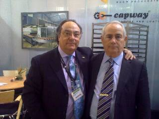 Sr. José Ramón Ferré, Presidente de Ferré & Consulting, junto a D.  Ángel Cespedosa, Presidente de Maquipan España