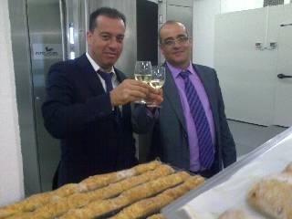 Dando honor a las calidades de pan elaborado por el Sr. Pinilla