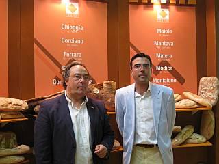Izquierda. Sr. Ferré, Director General de Ferré & Consulting Group, Derecha, Sr. Pinilla, Director Comercial de Ferré & Consulting Group.JPG