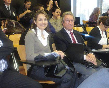 Sra. Elisabeth Llambrich (Adjunta Dpto. Técnico F&CG) y el Sr. Albert Punset (Partner de Ferré & Consulting Group) durante el concurso de bocadillos en SANDWICHFORUM 2010.