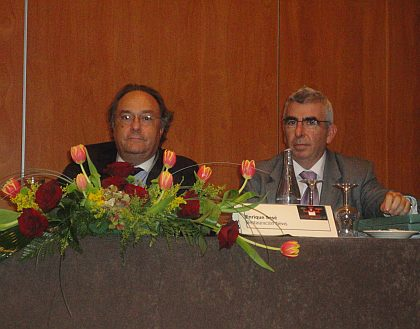 Sr. José R. Ferré (Director General de Ferré & Consulting Group) y Sr. Enrique Sesé (Director del Grupo IPMARK) durante las ponencias en SANDWICHFORUM 2010.