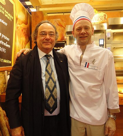 Don José R. Ferré Presidente de Ferré & Consulting Group con el  Profesor técnico de pastelería Don Laurent Boulme