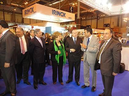 Visita de las autoridades y profesionales del sector, en el stand de Consulting Alliance Holding, en Intersicop 2011, Ifema.