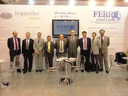 De izquierda a derecha: El Sr. José María de Arce, Director Financiero de Asesoría I+D+I (Consulting Alliance Holding), el Sr. Albert Punset, Partner de Ferré & Consulting Group (Consulting Alliance Holding), el Sr. Diego Pinilla, Director Comercial de Ferré & Consulting Group (Consulting Alliance Holding), el Sr. Roberto Beltrán, Administrador y Director de Proyectos de Ingenibo Projects, (Consulting Alliance Holding), el Sr. José R. Ferré, Presidente de Ferré & Consulting Group (Consulting Alliance Holding), el Sr. Víctor Tarruella, Consejero General de Euro-Funding (Consulting Alliance Holding), el Sr. Juan Ruiz, Gerente de Cuentas-Ingeniero Industrial de Asesoría I+D+I (Consulting Alliance Holding), el Sr. Xavier Mariné, Manager of Technical and Marketing Departments de Ferré & Consulting Group (Consulting Alliance Holding) y el Sr. Gonzalo de Silva, Director de Operaciones de Euro-Funding (Consulting Alliance Holding), en el stand de Consulting Alliance Holding, en Intersicop 2011, Ifema
