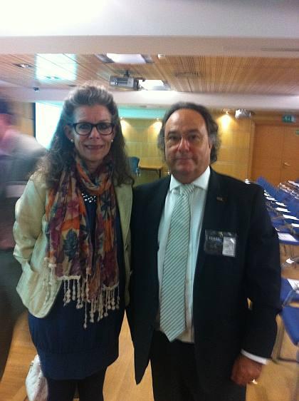 La Sra. Marianne Koefoed, Presidente de la Cámara de Comercio Hispano-Danesa junto al Sr. José R. Ferré, Presidente de Ferré & Consulting Group, durante su encuentro en el Foro Europeo de Empresa