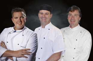 Equipo de Australia de izquierda a derecha Noy Brett, Sims Trevor, Howard Robert