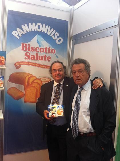 El Sr. Franco Vitale, Presidente Honorario de Monviso S.p.A. (dcha), junto al Sr. José R. Ferré, Presidente de Ferré & Consulting Group (izda), en el stand de Monviso S.p.A.