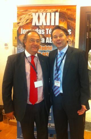 El Sr. José R. Ferré, CEO de Ferré & Consulting Group (Consulting Alliance Holding) (izda), en un momento de las Jornadas Técnicas de la AETC,  junto al Sr. Ramón Sánchez Expósito, Director de la Asociación de Fabricantes de Harinas y Sémolas de España (AFHSE).