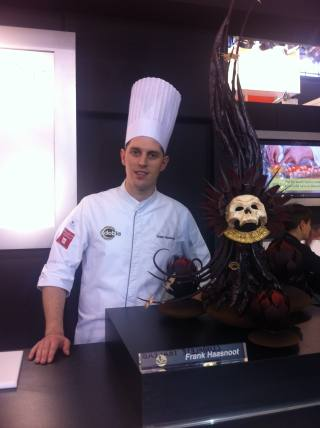 D. Frank Haasnoot, Maestro Pastelero de Dobla  presentó su figura de chocolate en Fi & Ni 2011.