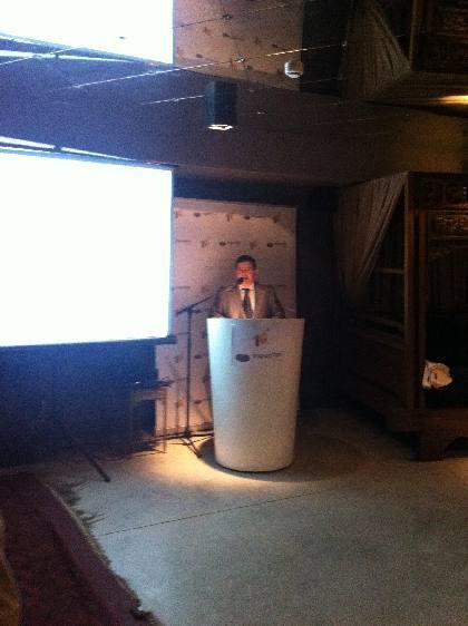 El Sr. Roberto Bertrán socio fundador durante una de las ponencias realizadas durante la velada.