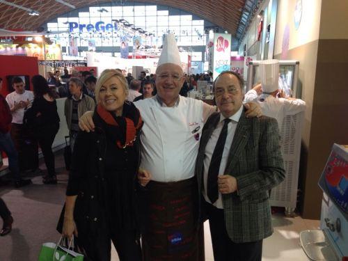 Sra. Belén Cigarrán  (izquierda) junto al Dr. Danilo Freguja, profesor de Pastelería y Heladería a nivel internacional (centro) i el Sr. José R. Ferré, CEO de Ferré Consulting & Associates USA (derecha)