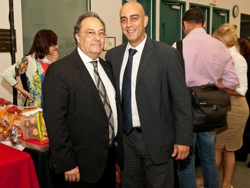 De izquierda a derecha, Sr. José R. Ferré, CEO de Ferré Consulting & Associates USA,INC. (Holding Group),  Sr. Javier Pérez-Palencia, Executive Director de Camará de Comercio de Miami