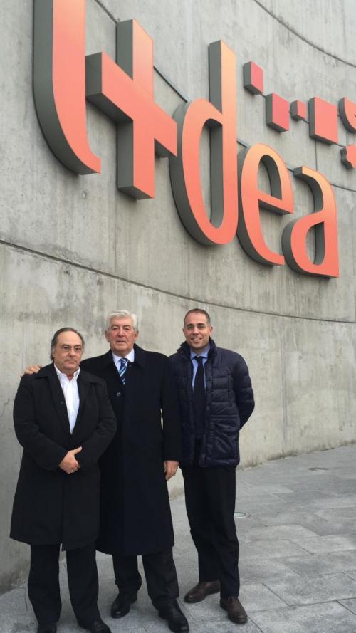 Sr. Ferré (CEO de Holding Group  Ferré & Consulting Europa & Usa) , sr .Antonio Gozzo (Presidente de la compañía Distillerie Franciacorta) y el Sr. Mauro Piliu (Director General de la compañía Distillerie Franciacorta) (Italy)