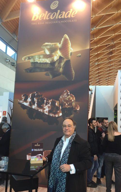 "Dr. Ferré de Holding Group ""FERRÉ & CONSULTING EUROPA & USA"" en el estand de la chocolatera Belcolade"
