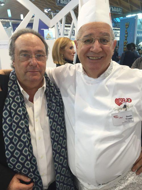"""Dr. Ferré de Holding Group """"FERRÉ & CONSULTING EUROPA & USA"""" junto al Dr. Danilo Freguja de la compañía italiana BRAVO, conocido en el mundo como """"El embajador italiano del chocolate"""", medalla de oro en el campeonato del mundo de 1994."""