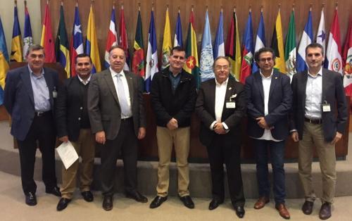 De izquierda a derecha: Sr. Juan Quílez, Sr. Fabián González, Sr. Luís Montes, Sr. Fernando Bichón, Sr. José R. Ferré, Sr. Francesc Altarriba y Sr. Carles Nin