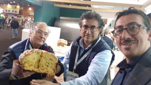 El Sr. José R. Ferré, Presidente de Ferré & Consulting Group (izda), junto con el Maestro Don Francesc Altarriba y el Profesor de la Escuela Italiana Don Gianfranco Romano