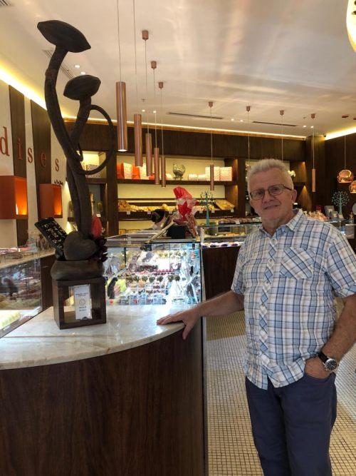 Sr. Roger Germanier- Técnico Pastelero - Colaborador de FERRÉ & CONSULTING , visitando establecimiento Gourmandises en Guayaquil