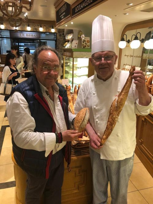 En Kobe, D. José R. Ferré – CEO de FERRÉ CONSULTING Holding Group junto al Maestro Pastisser LE BIHAN MICHEL( Director General Manager) EDELWEIS GROUP... / https//www.edelweiss.co.jp